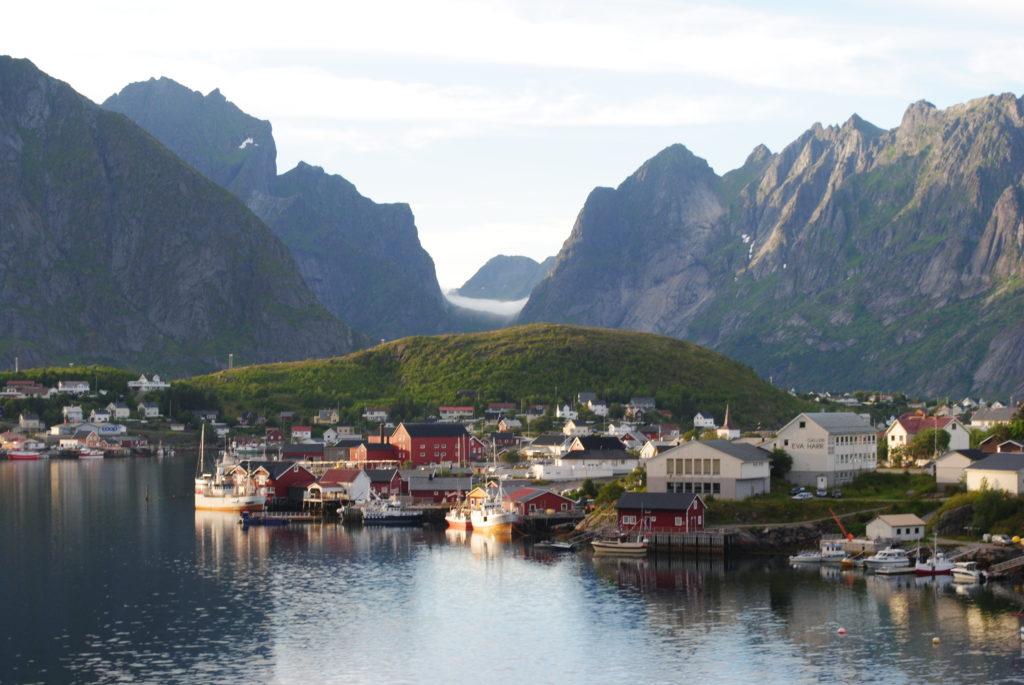 wycieczka do Norwegii, lofoty, fiordy, cud natury