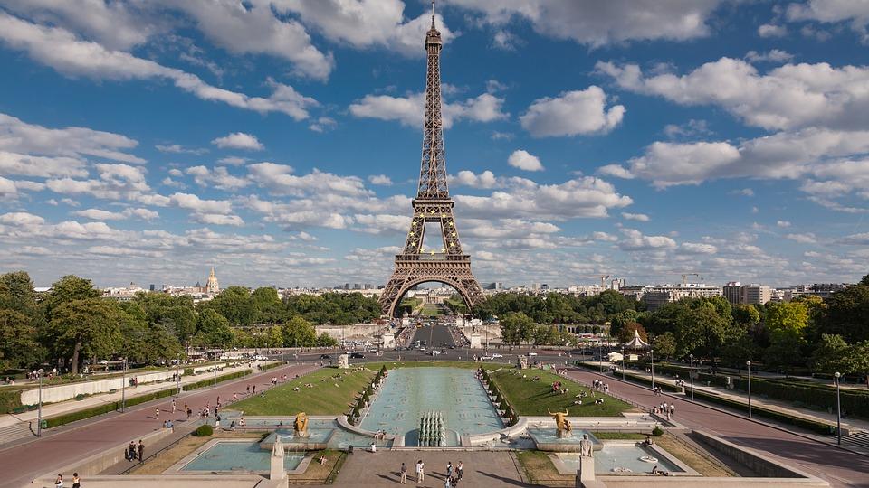 Podróż do Francji. Wieża Eiffela
