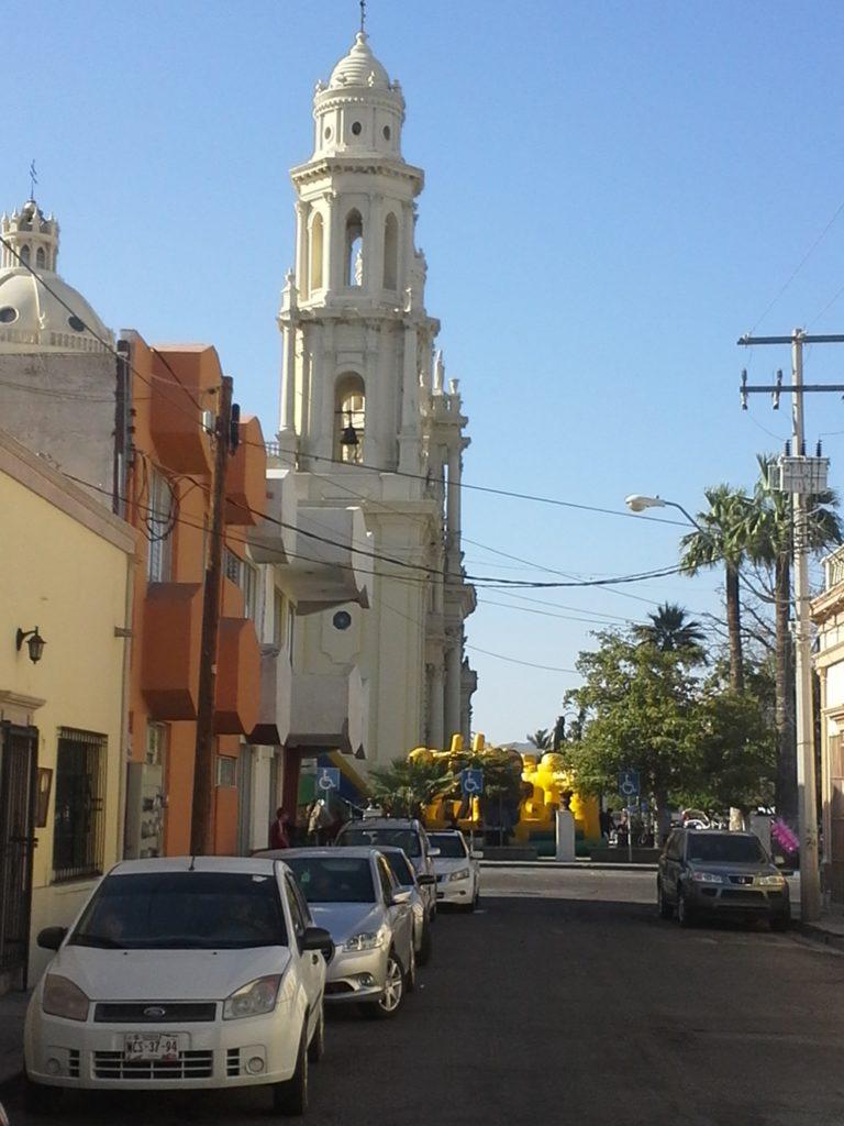 Podróż do Meksyku, katedra w Hermosillo