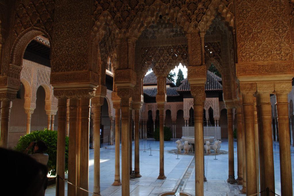 Pałac Alhambra, dziedziniec lwów