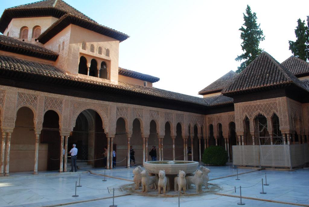 Pałac Alhambra, lwy