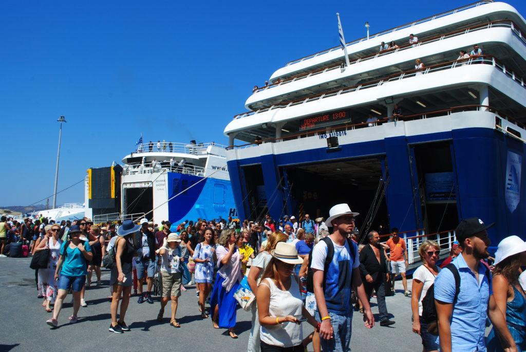Wyspa Santorini, promy