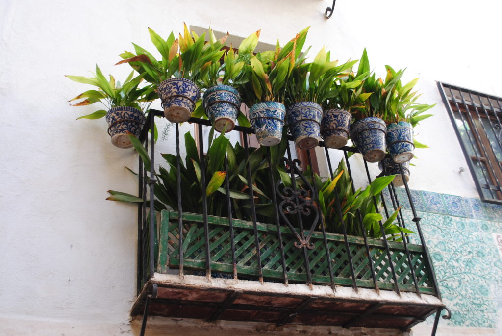 Pałac Alhambra, wystrój balkonów