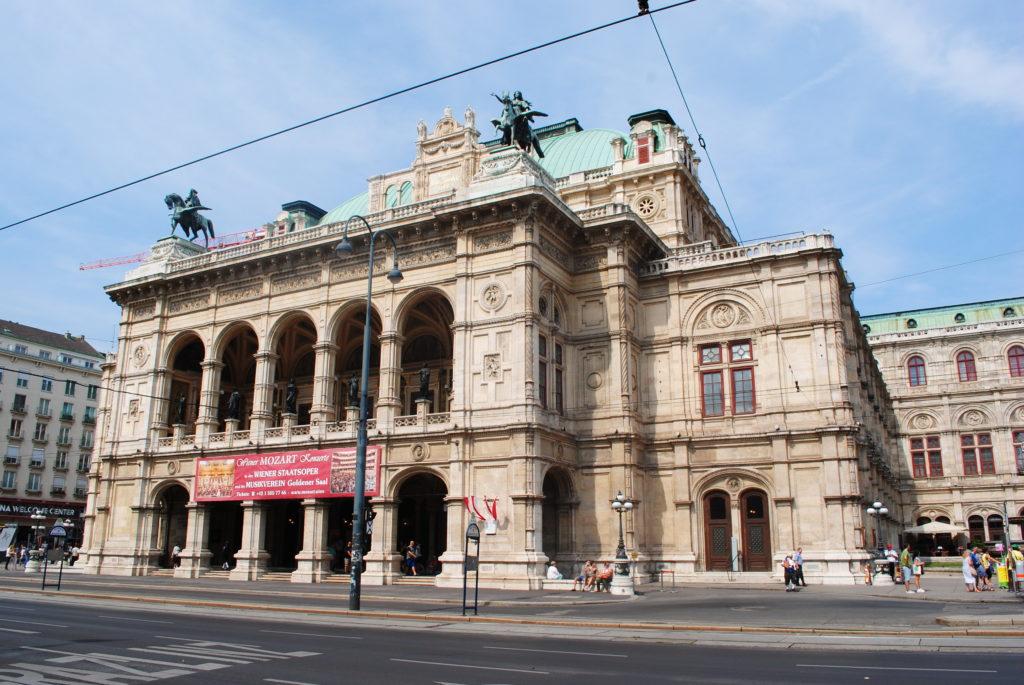 Zwiedzanie Wiednia. Opera wiedeńska.