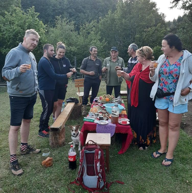 Podróż do Gruzji. Imprezka i toasty.