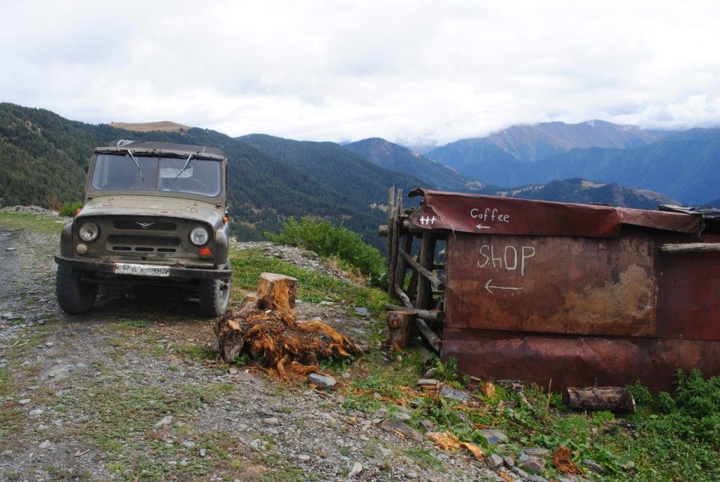 Podróż do Gruzji. Stare auta w modzie.