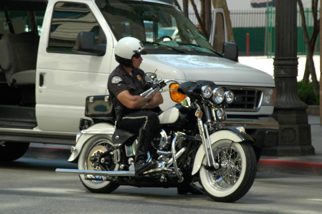 Podróż do Los Angeles. Czujny wzrok policjanta.