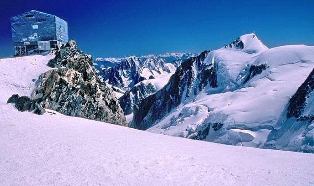 Alpejska wspinaczka. Schron.