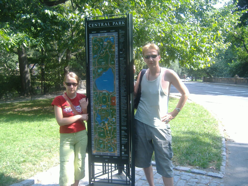 Nowy Jork w USA. Wejście do Central Parku.