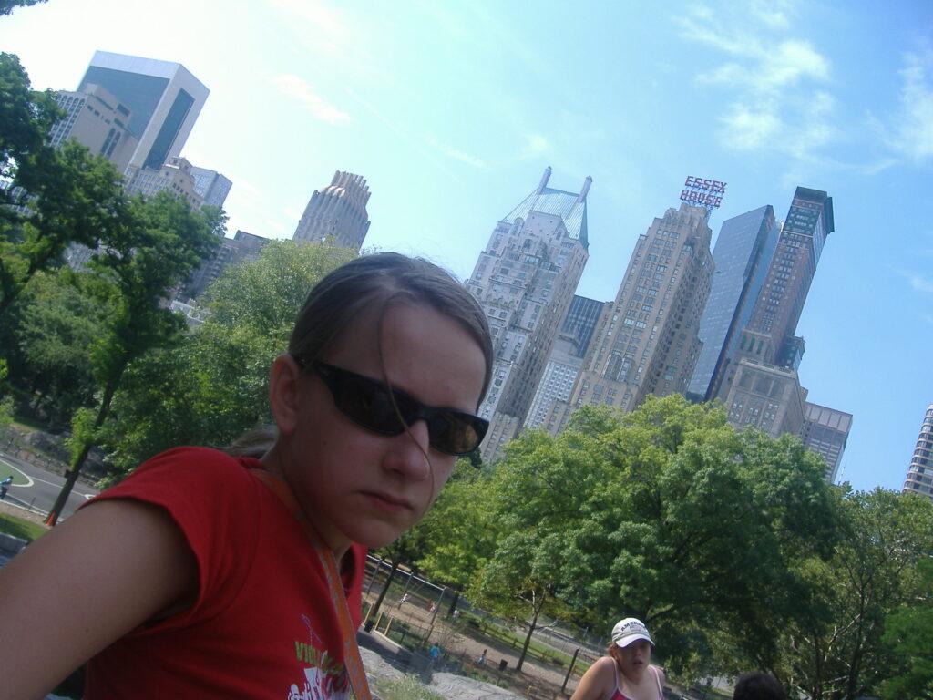 Nowy Jork w USA. Na granicy parku z miastem.